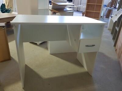 Schreibtisch Flo Möbel Showroom in Hagen auf 2000m²