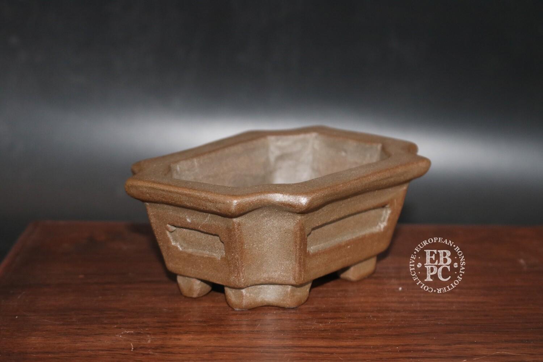 12.5cm; Unglazed; Carved; Small shohin; Rectangle; Guerao Pot