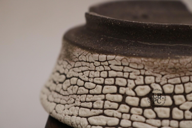SOLD - Terre en Vadrouille - 13.5cm; Shohin; Round; Kairagi Yu; Crawling Glaze; Cream; White