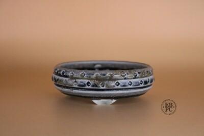 EBL Pots - 11.5cm; Porcelain; Shohin / Accent pot; Round; Carved; Browns; Dark Blue; Detailed feet; Elsebeth Ludvigsen