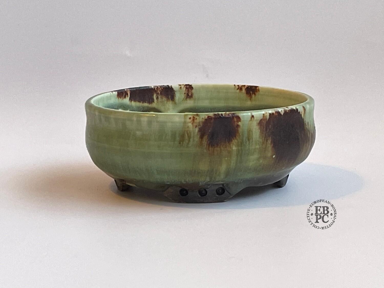EBL Pots - Porcelain; 10.2cm; Shohin / Accent pot; Round; Celadon; Volcanic Sand; Detailed feet; Elsebeth Ludwigsen