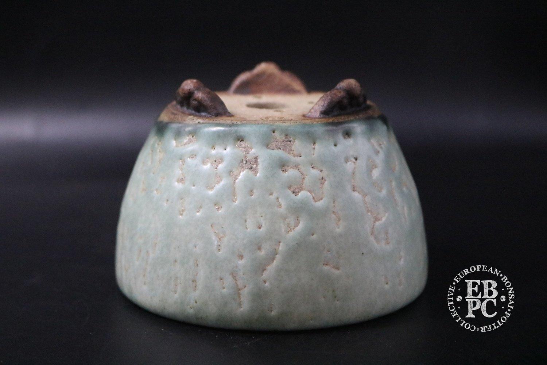SOLD - Ian Baillie - 9.6cm; Glazed; Round; Mame; Semi-cascade; Turquoise; Crawling glaze