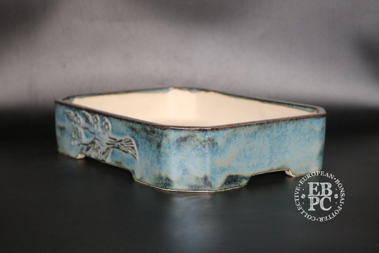 SOLD - M.B. Bonsaischalen - 27.7cm; Carved branch motif; Stunning glaze; Rectangle; Blue; Namako; Marc Berenbrinker