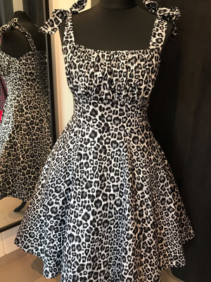 Leopard 🐆 Gray