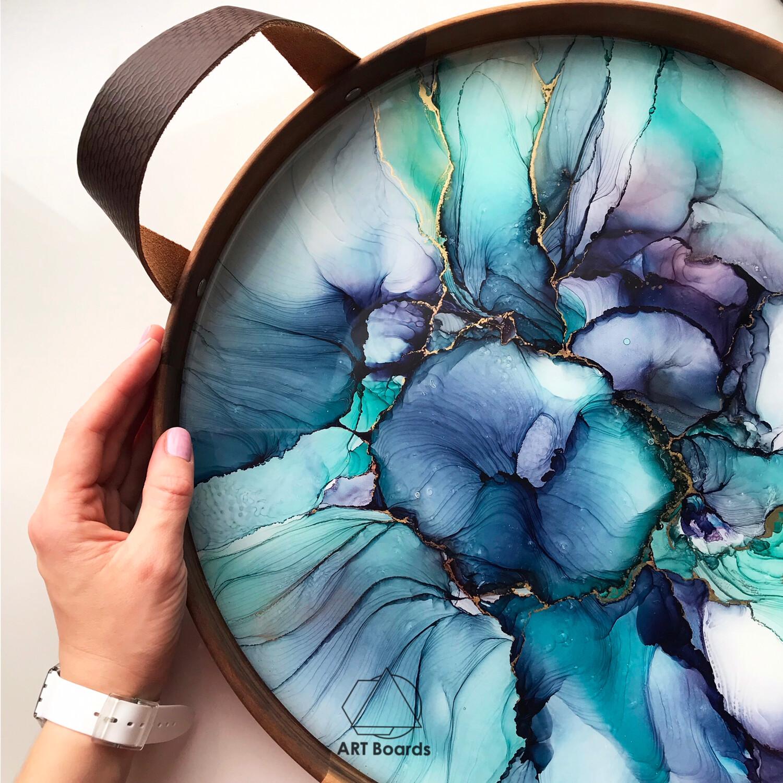 PRIORITY tray, artist KsenyArt
