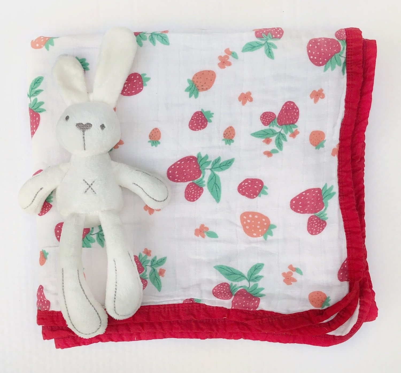 Муслиновое одеяло «Клубничка»