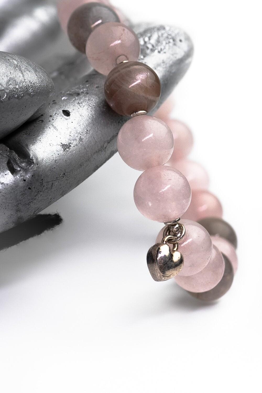 """Браслет """" Миролюбка """" рожевий кварц/ селеніт, срібло 925."""