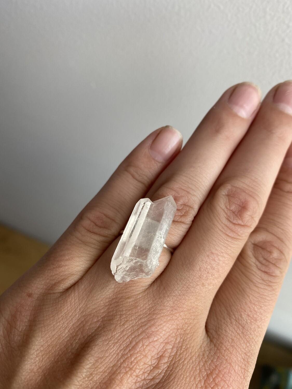 """Пеpстень з натуральним каменем гірський кришталь """"Діділія"""""""