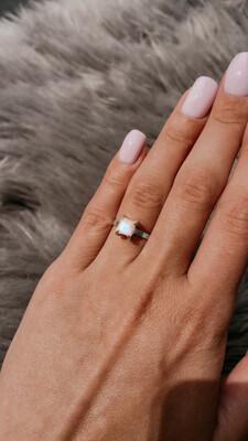Перстень «Хайя» Місячний камінь, адуляр, Срібло 925