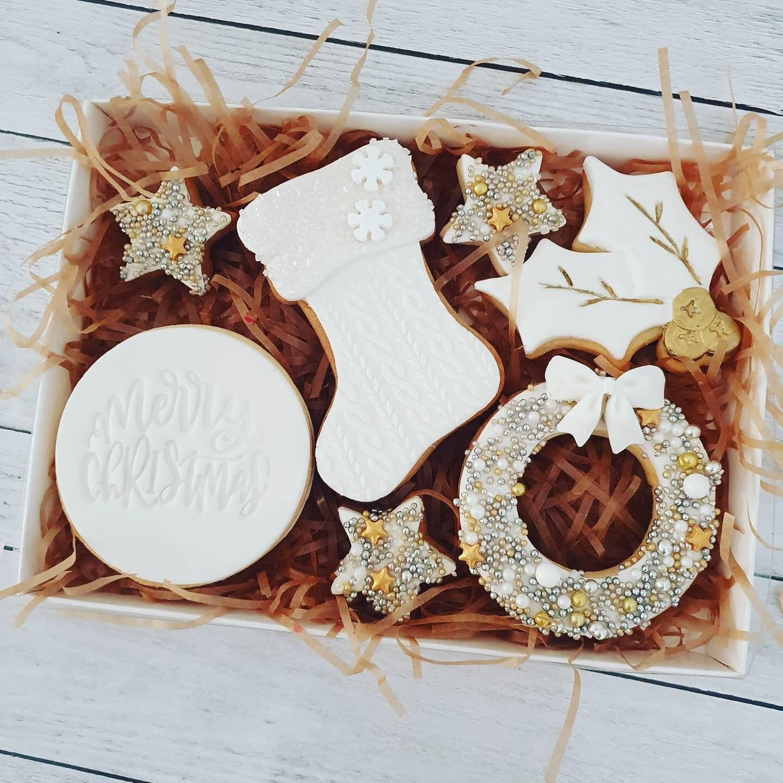 White Christmas Santa's Stocking 2020 Cookies - 7 pack