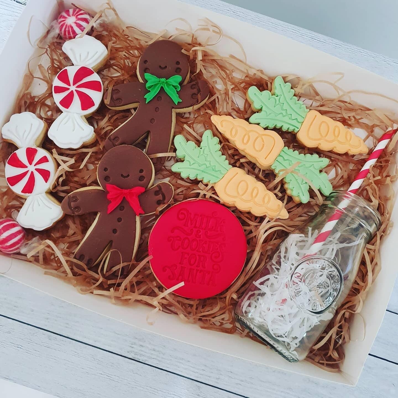 Christmas Eve Milk and Cookies  Pack  2020 Cookies - 8 pack