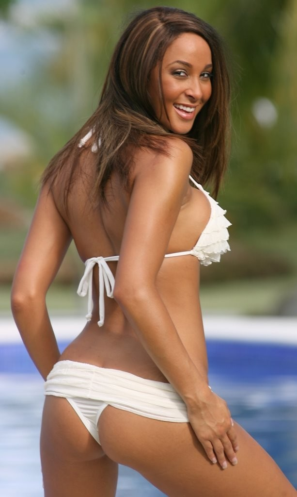 SWIMWEAR|2PC - Romantic Ruffled Banded Thong Bikini
