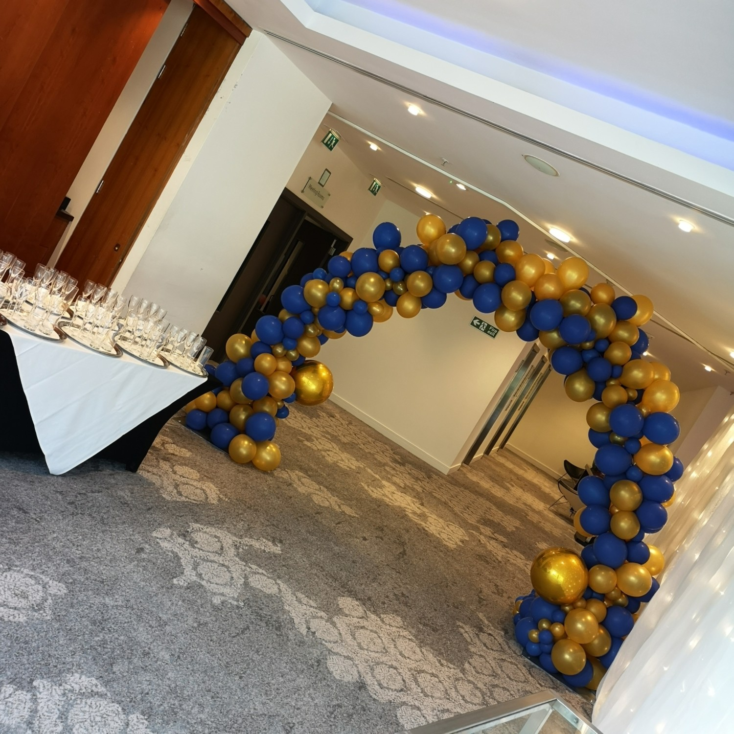 Organic Balloon Double Door Arch