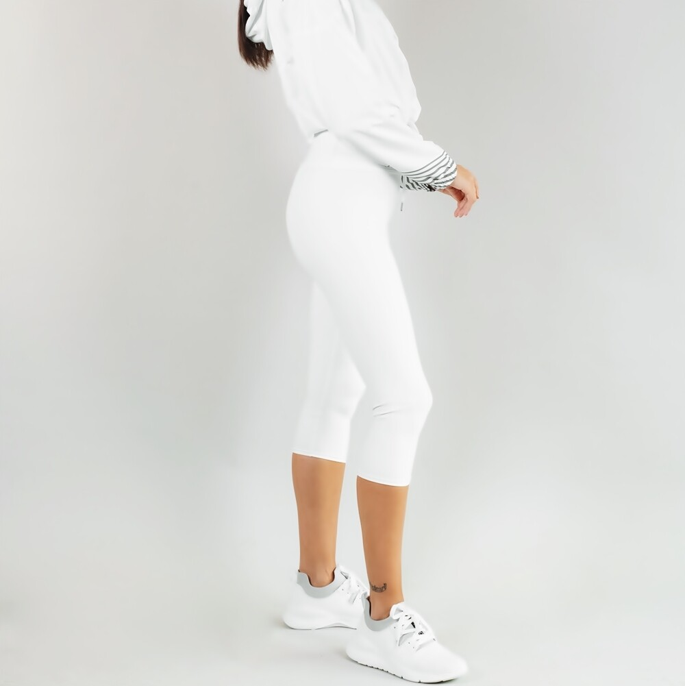 Women's A.M Grey Winter White Capri Leggings