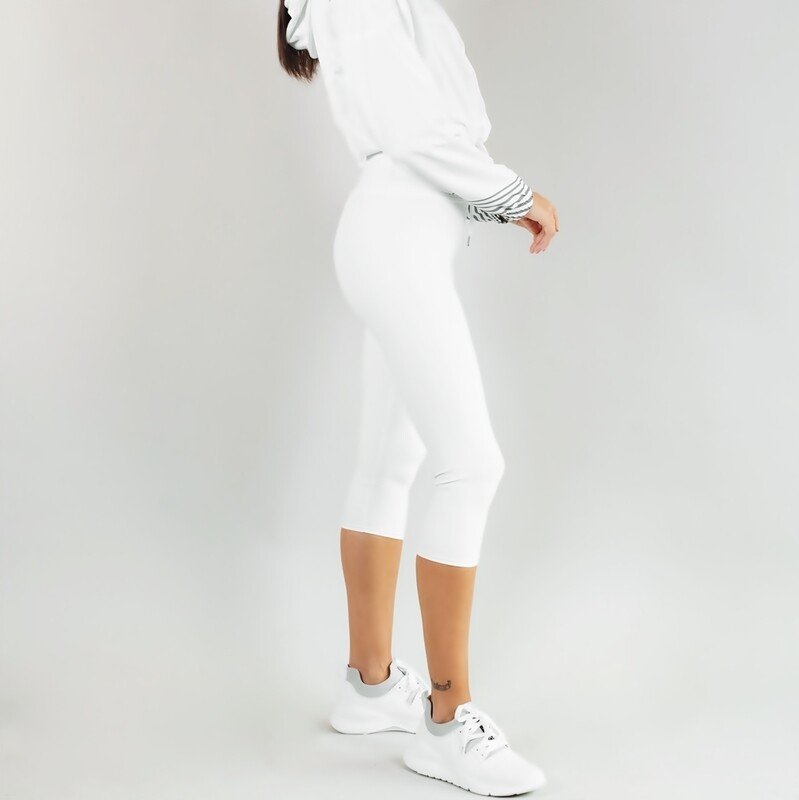 Women's A.M Grey Winter White Capri Leggings