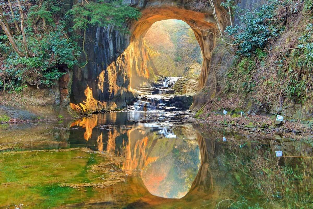 【豪華包車】千葉天空之鏡、鋸山、濃溝瀑布 奇幻秘景遊 2天1夜 ( 東京2-8人包車 )