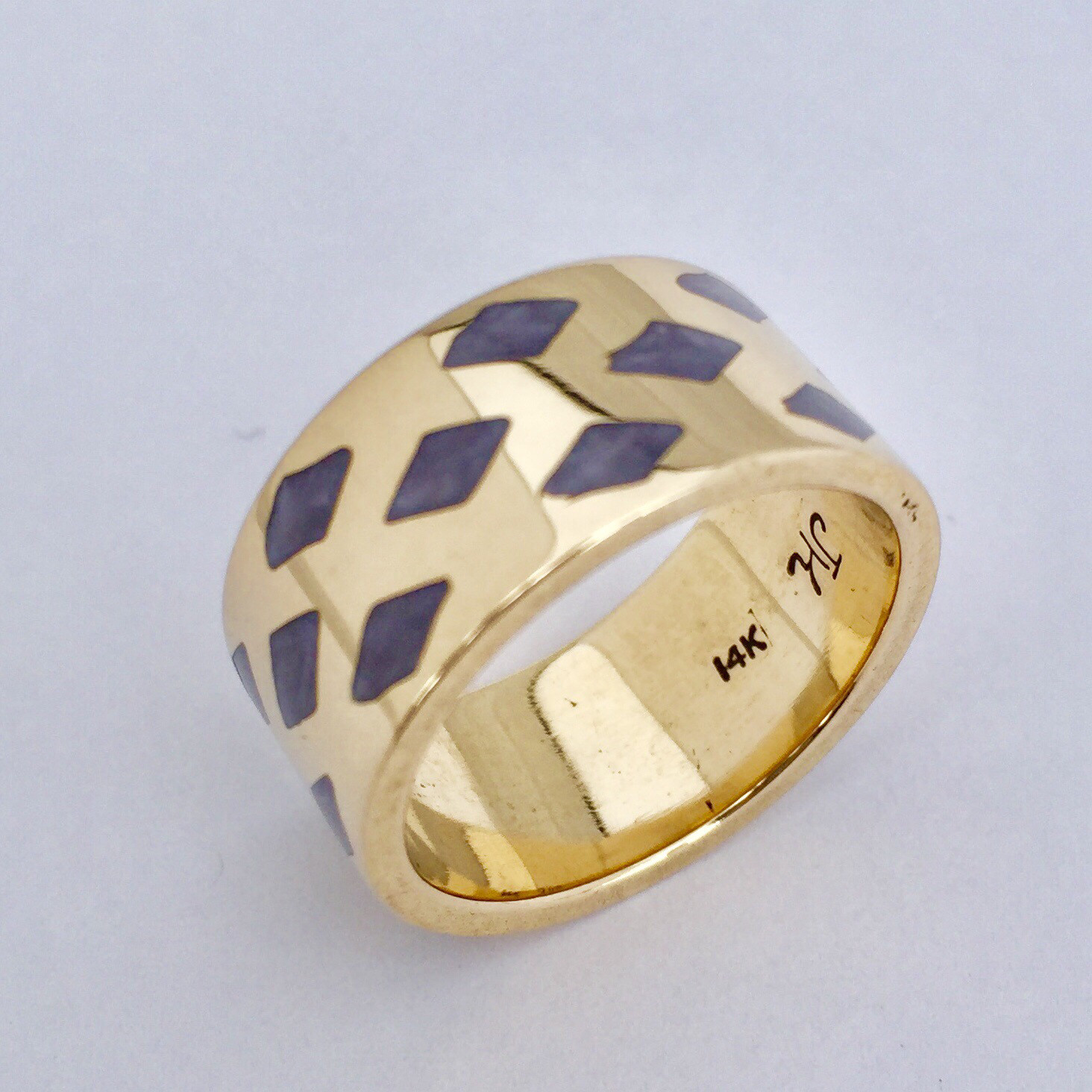 Diamond Pattern Enamel Band