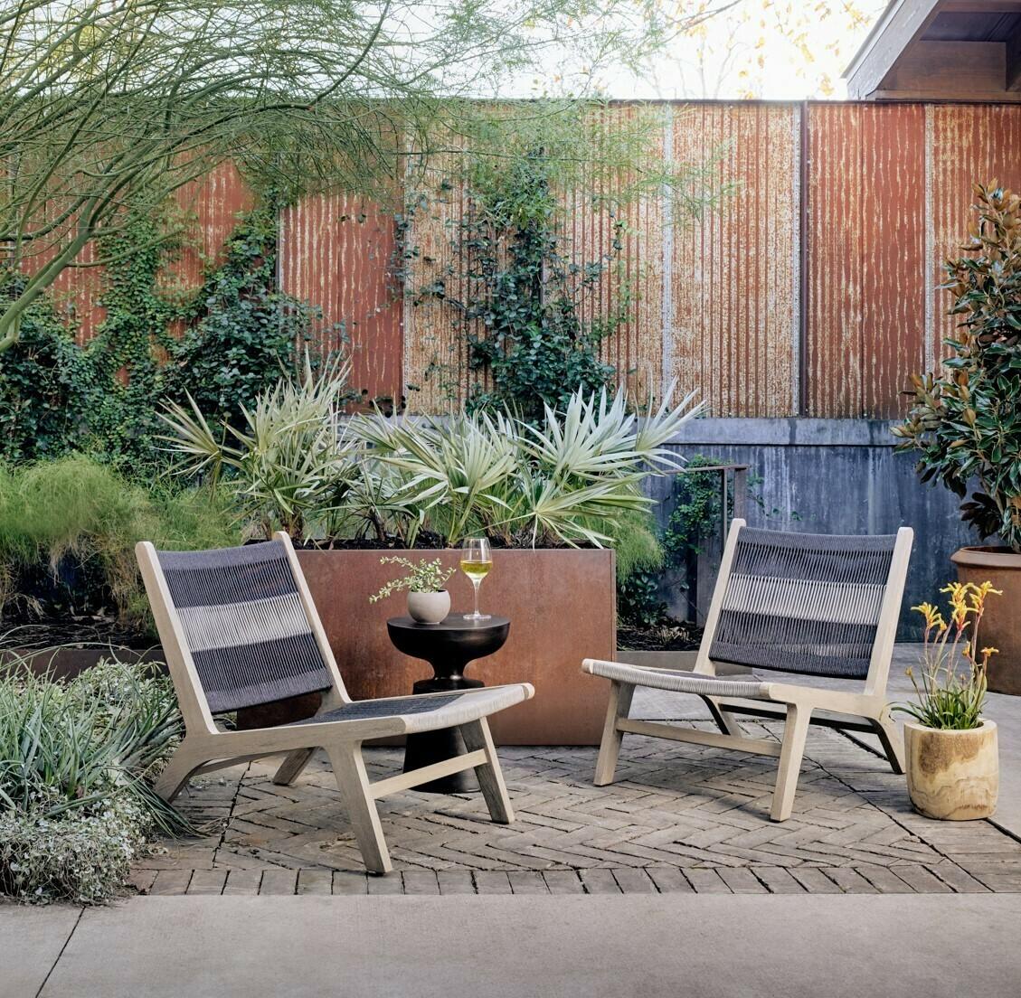 Julian Outdoor Lounge Chair