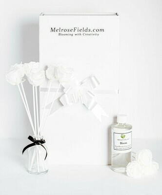 MelroseFields Mini White Rose Reed Diffuser Kit
