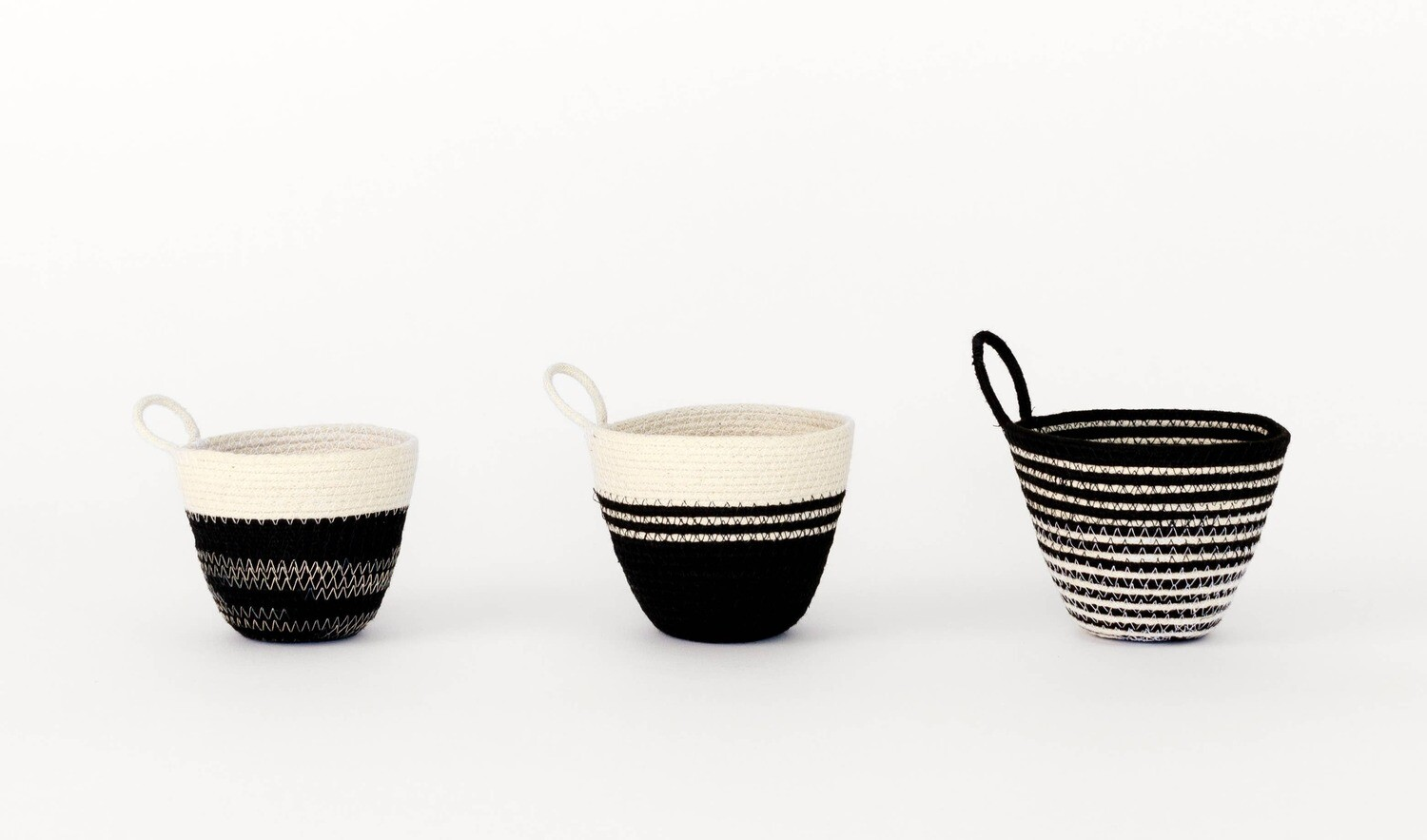 MOkun Mini Black and White Planters