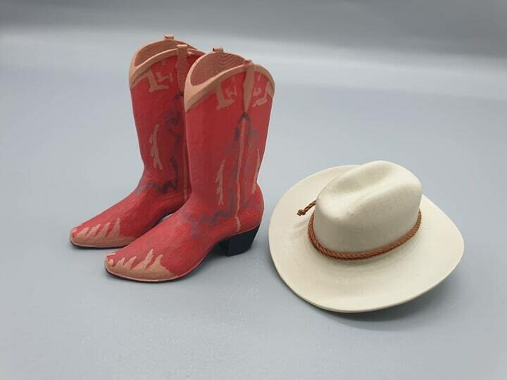 DeLorean 1:8 scale BTTF 3 Cowboy Boots & Hat