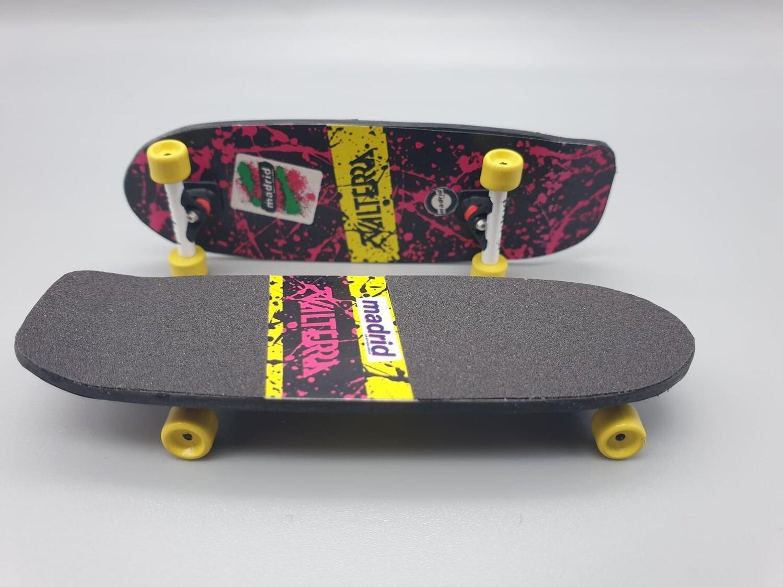 DeLorean 1:8 Scale Marty's Skateboard