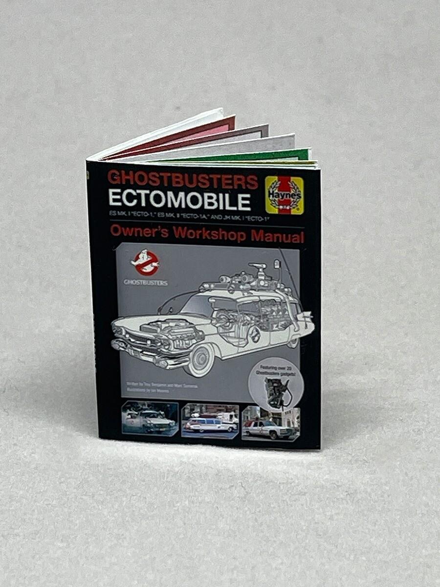 Ghostbusters 1:8 Scale Haynes Manual