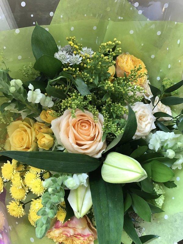 Peach and Creams bouquet