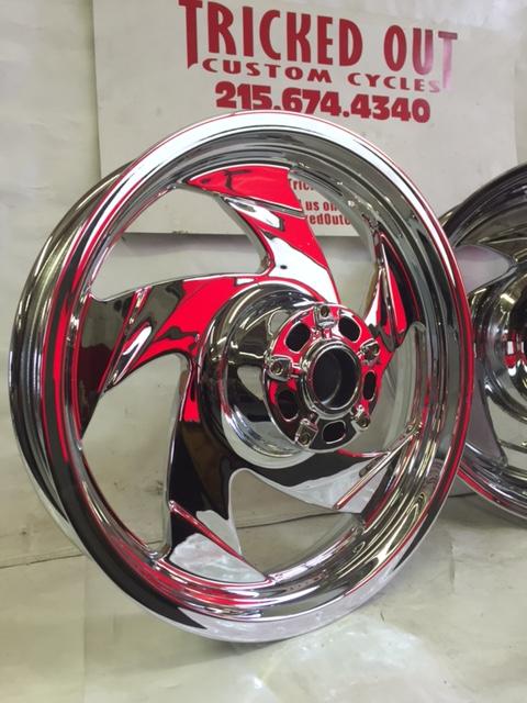 Suzuki M109 Chrome Wheel Exchange