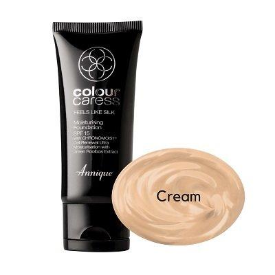 Feels like silk moisturising foundation, Cream  SPF 15 30ml
