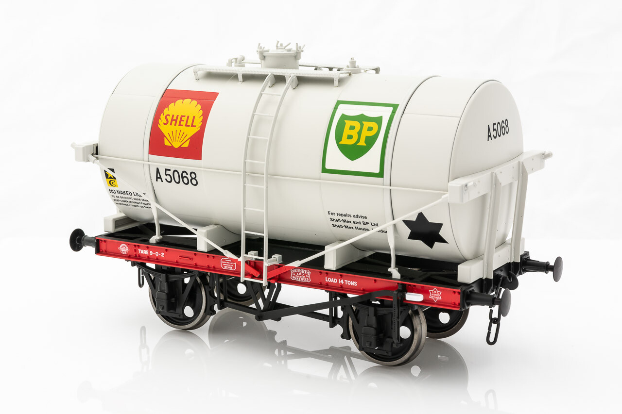 14T TANK WAGON CLASS A SHELL BP DOVE GREY A5068