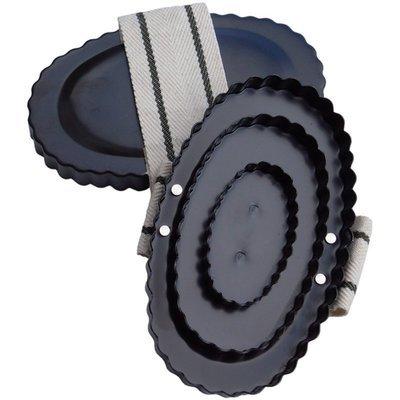 Eisenstriegel mit Handschlaufe