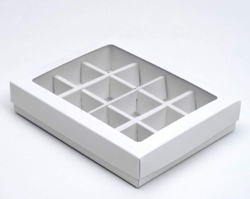 Коробка для конфет на 12 конфет белая 190х150х30
