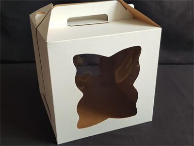 Коробка для торта с ручкой 26*26*28. 2 фигурных окна