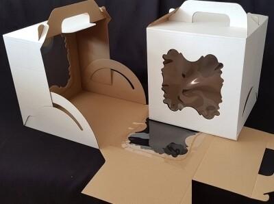 Коробка для торта с ручкой 300*300*300 2 фигурных окна
