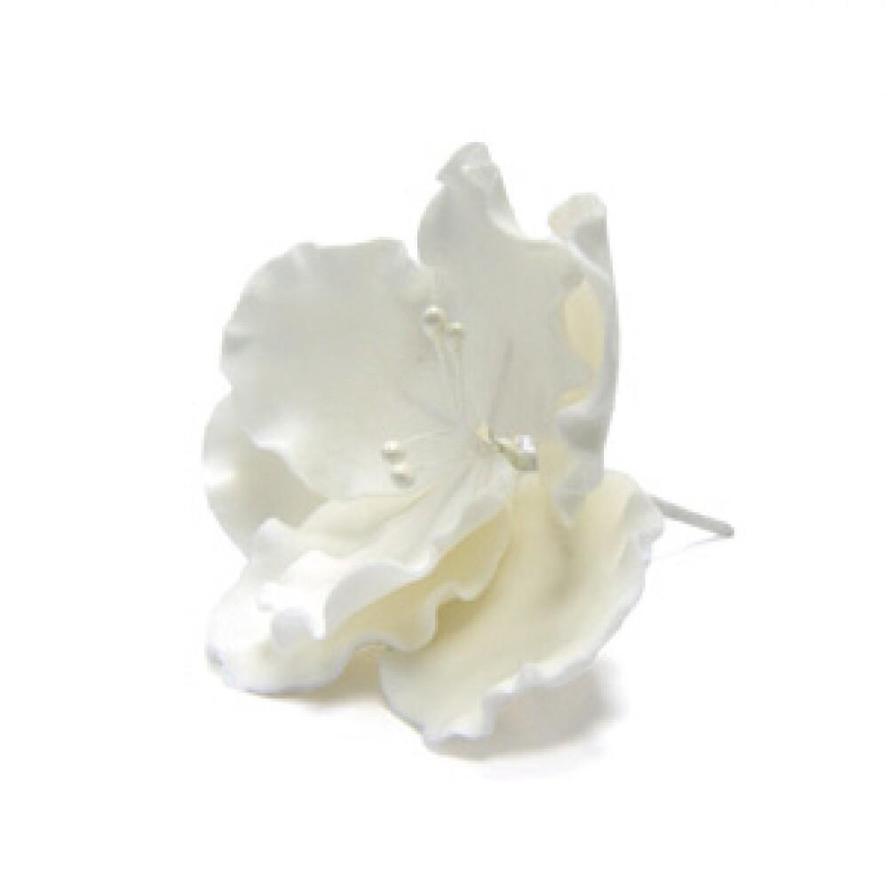 готовое фигурное украшение в виде цветка из сахарной массы белое. Длина: 8 см