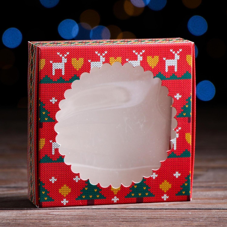"Подарочная коробка сборная с окном ""Новогодний орнамент"", 11,5 х 11,5 х 3 см"
