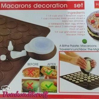Набор для приготовления макаронс. Коврик, приспособление для отсадки + 3 насадки.