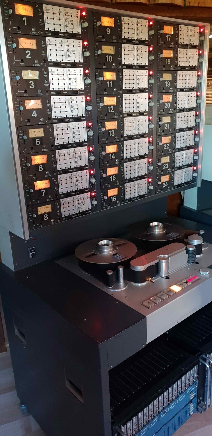 Tape Processing - Your tracks through the legendary Studer A80 multitrack - 1 min
