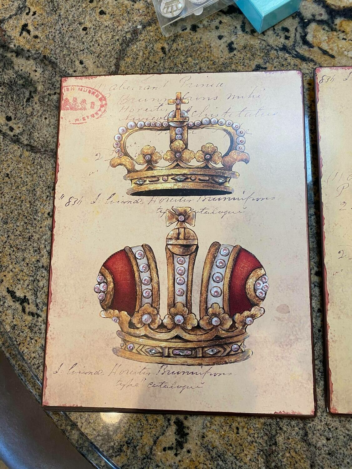 tin crown wall sign red (2 Left)