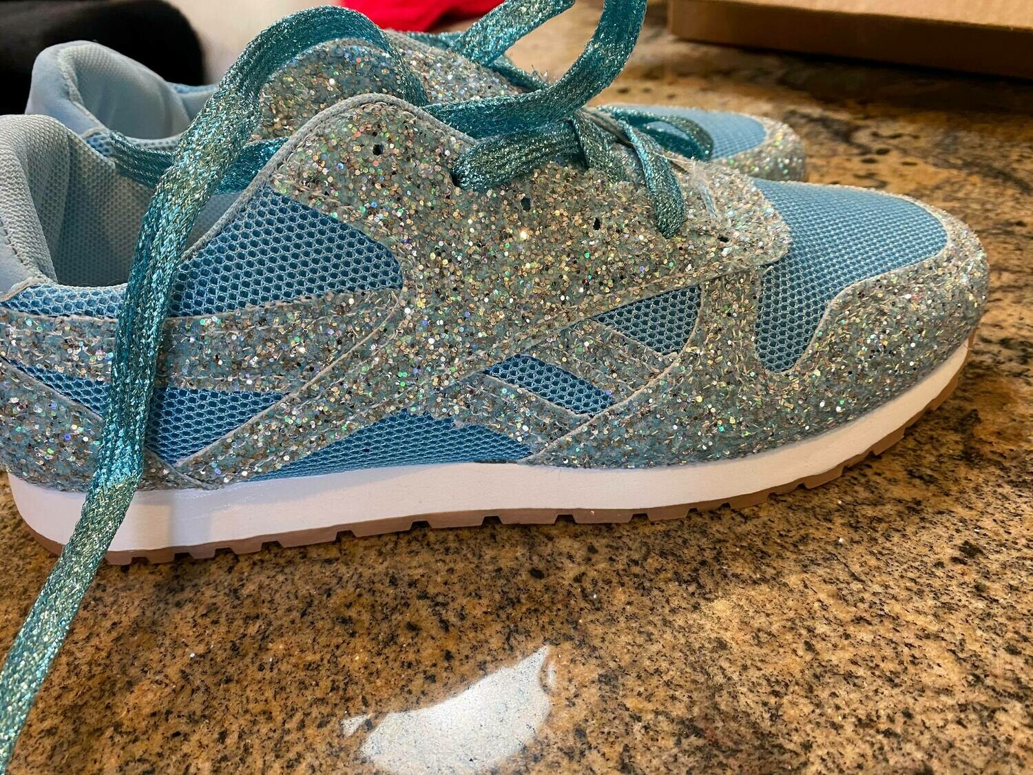 turquoise glitter tennis shoes ONLY ONE Size 10