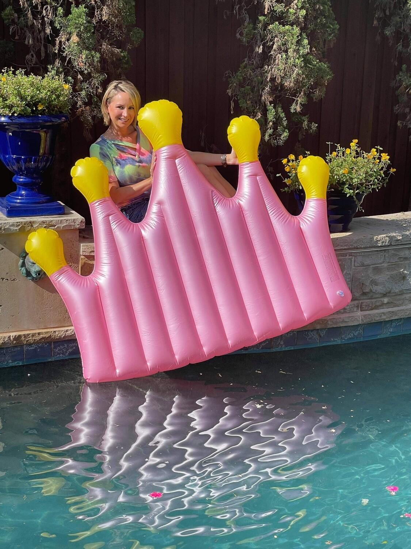 Crown Pool Float