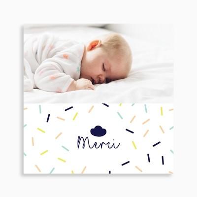 Carte de remerciement naissance nuage et confettis