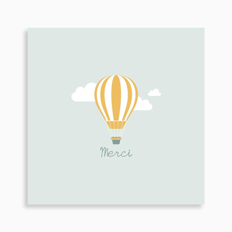 Carte de remerciement naissance montgolfière dans les nuages