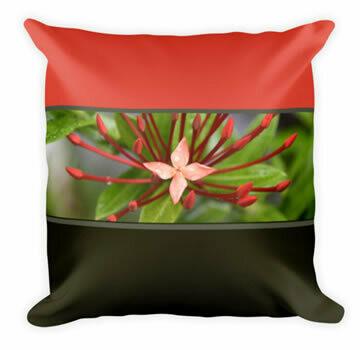 Red Flower Panamá Throw Pillow