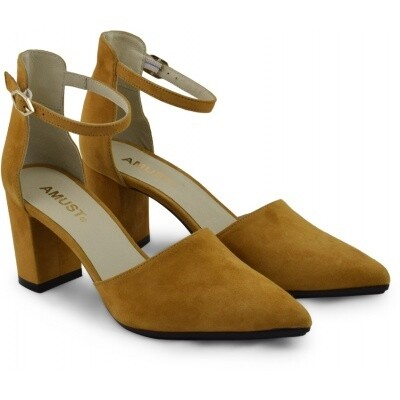 Julia strap pump Mustard Amust