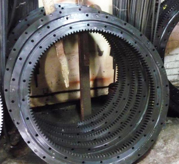 Опорно-поворотное устройство 1451 на Галичанин КС-4572