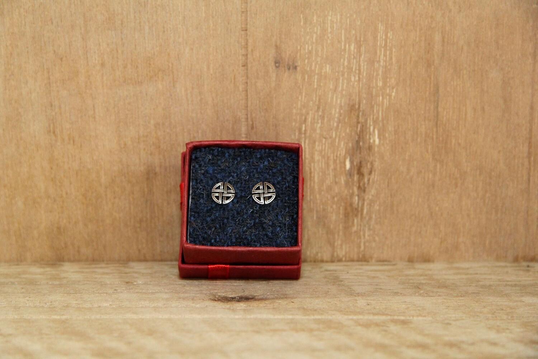 Round Celtic earrings