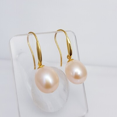 Pink Pearl Hook Earrings in 18K Gold