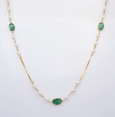 Emerald and Pearl Chain in 18K Gold